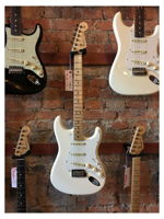 Fender American Professional Stratocaster 2017 Mn Olympic White