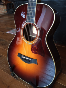 Taylor 712E W/ES2