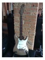 Fender American Vintage 65 Stratocaster Shoreline Gold